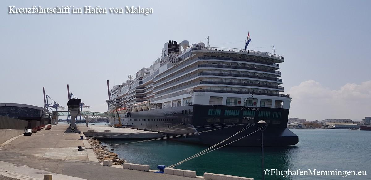 Kreuzfahrtschiff im Hafen von Malaga ab Flughafen Memmingen